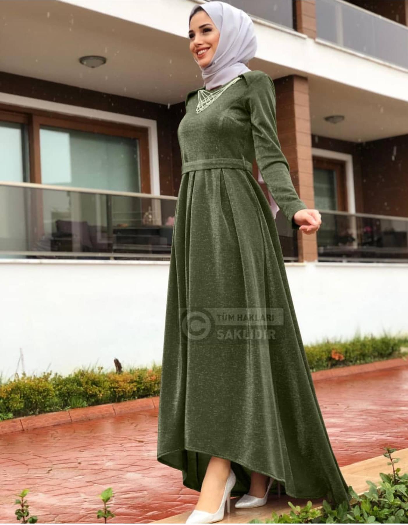 Kleid mit schleppe hinten